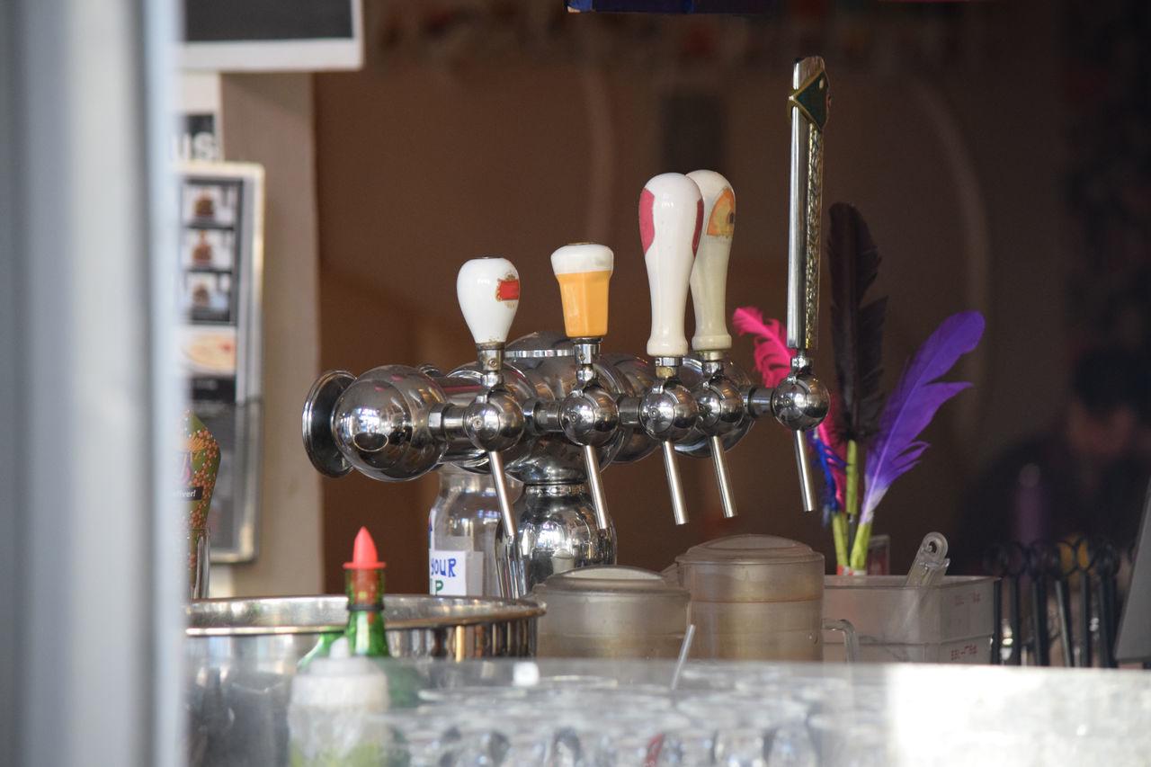 A variety of beer tajps Arrangement Bar Choice Close-up Enjoying Life Entertainment Indoors  Refreshment Scout Bar, Houston Tx Still Life Taking Photos Variation