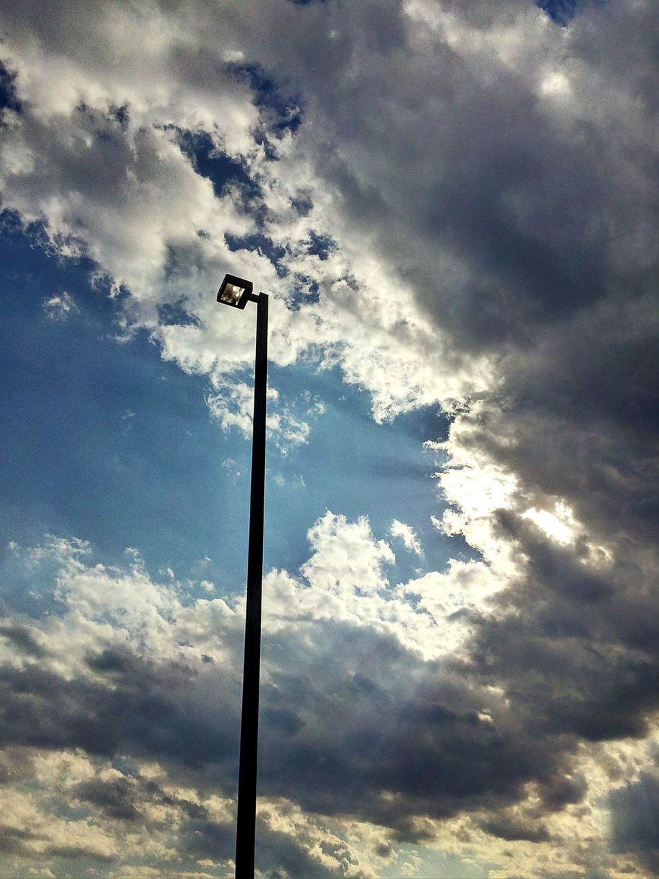 Street Light verses Sunlight IPhoneography IPhone Photography Fusion HDR Camera Starmatic Family Beautiful Day Clouds And Sky Taking Photos