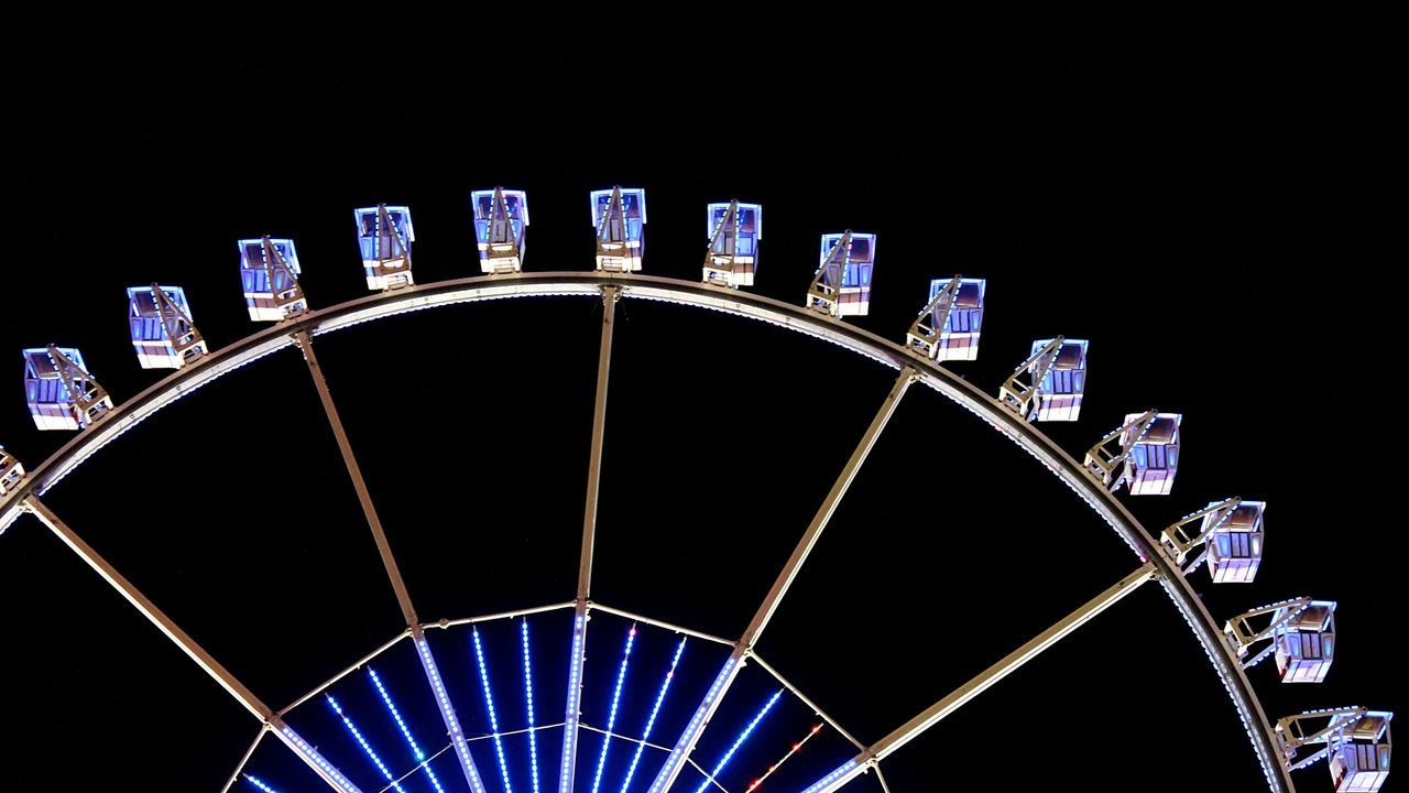 Fairground Nightshot Fair Ferris Wheel Night Photography Ferriswheel Light In The Darkness Hamburger Dom Night View Night Lights Colour Of Life Nightlights DARKNESS AND LIGHTING Darkness And Light Night Time Dark Background FunRide Funrides