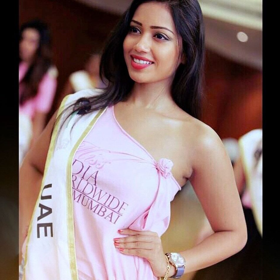 Gorgeous @nivethapethuraj 😍😍😍😍 PHOTO RETOUCH !!! Nivetha NivethaPethuraj OruNaalKoothu Model Modelling Missindia Nextmissuniverse 😜😜😜