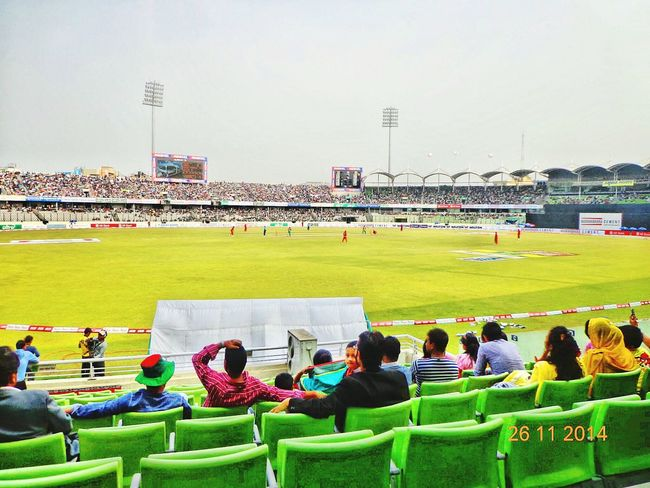 Bangladeshi stadiums has different excitation..You'll never be able to keep your brain cool after entering a full stadium!!! Ha ha ha.... Taking Photos Check This Out Hanging Out Hello World Enjoying Life Beautiful Bangladesh Sports Stadium Stadium Feeling Photography Colours Of Bangladesh Showcase: November Seeing The Sites Nothing Compares:-)