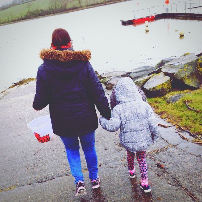 Mother Daughter Motheranddaughter Motheranddaughtertime Mother & Daughter Crabbing Crab Dock Sea Family Nature Bucket Holding Hands Holdinghands First Eyeem Photo