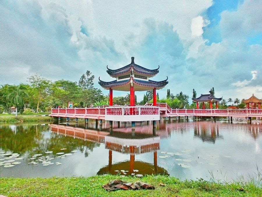 History Architecture Lake Cloud - Sky Reflection Palace Classical Style Day Sky Ancient Arts Culture And Entertainment Royalty Flower Travel Destinations Outdoors No People Dragon Art Is Everywhere Architecture Nature City Red Water Symmetry Nature