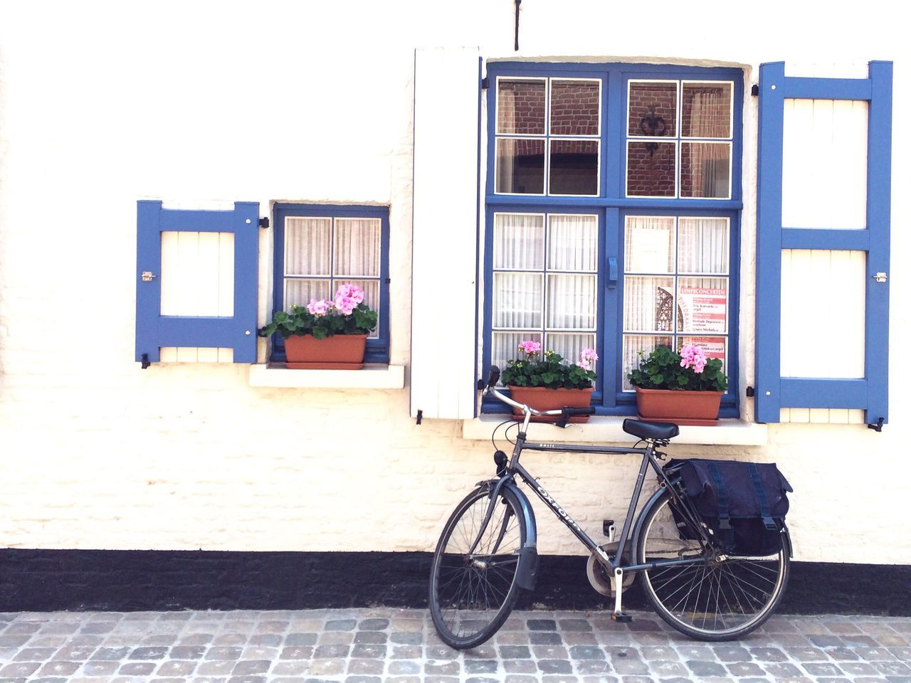 White House Blue Decorations White And Blue Bicycle Cute Place Old House Small Flowers In Window