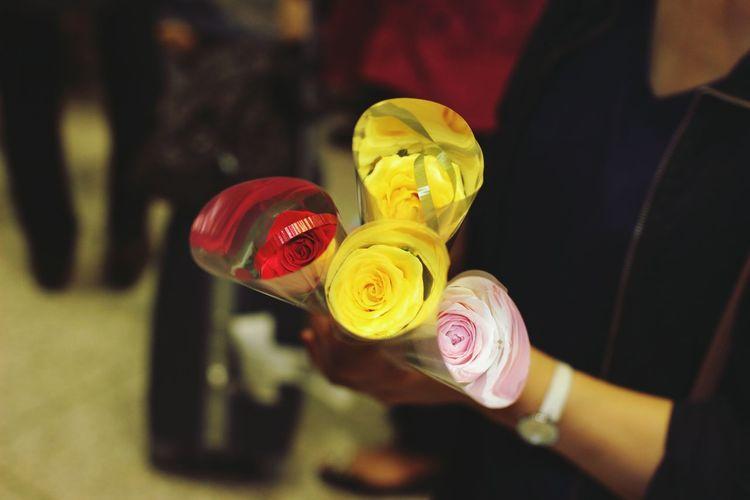 Hasiro Flower Travel Gift Airport Hands First Eyeem Photo