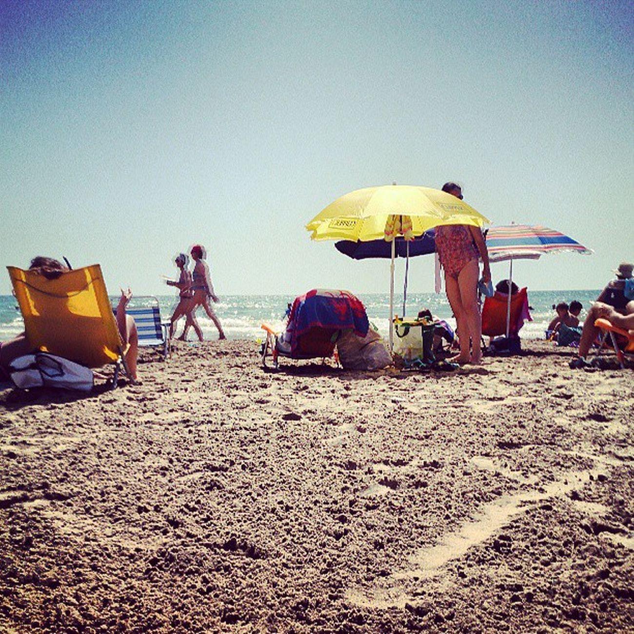 PlayaBeach Calor Sol Sun arenapeoplecanetsummerspainValenciaespaña