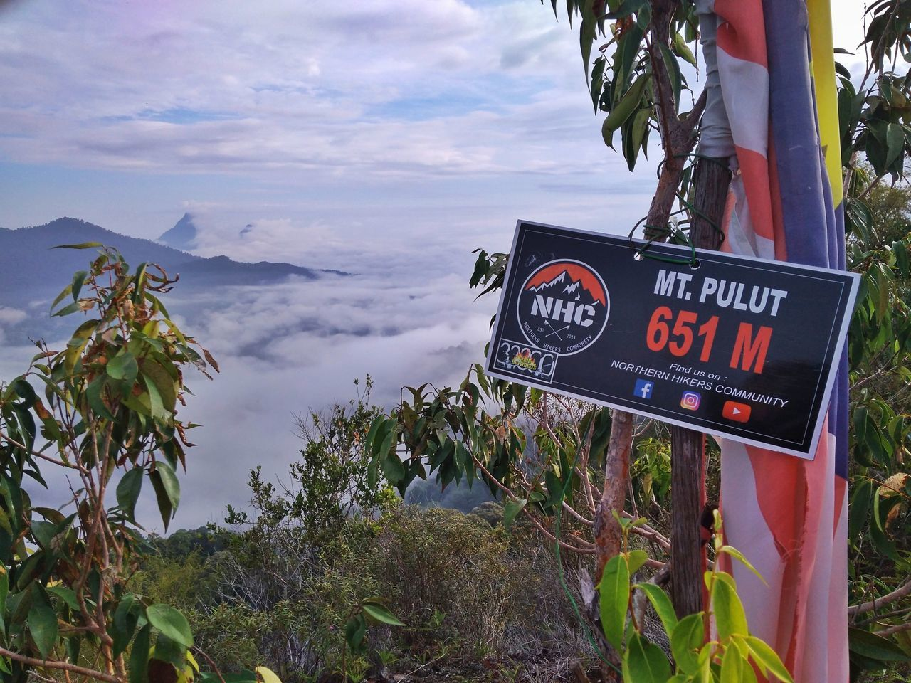 The Sign 🎀 Text Cloud - Sky Warning Sign Danger Tree Communication Sky Mountain Day Nature No People Outdoors Travel Destinations Beauty In Nature Gunungpulut Perak Darul Ridzuan, Malaysia