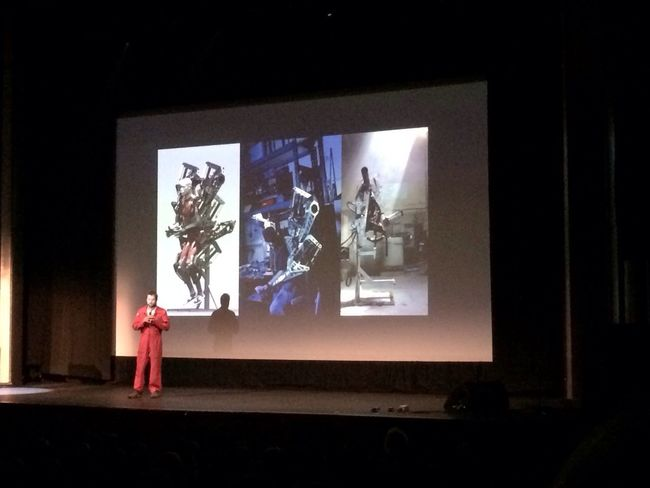 Crazy talk by Jonathan Tippit and the Anti-Robot at #PKNvan #PechaKucha