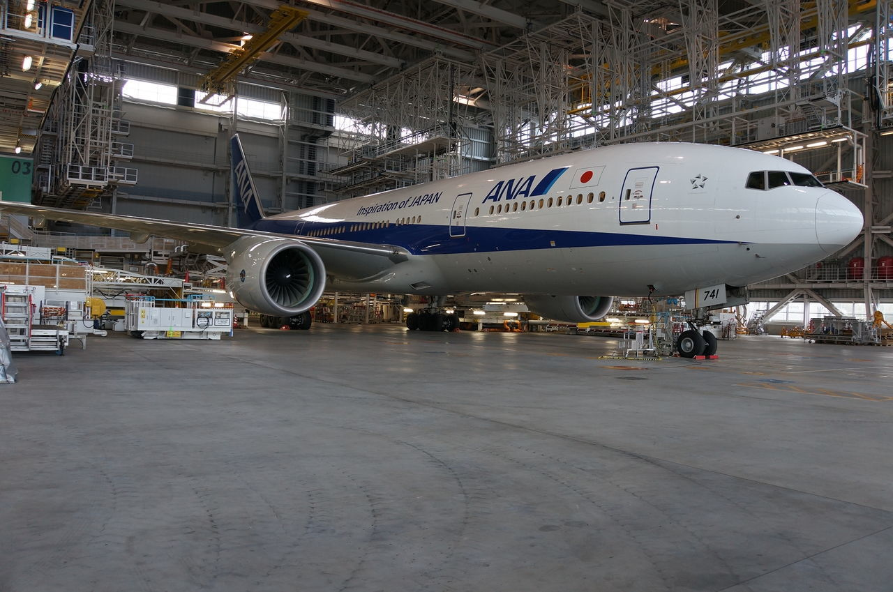 transportation, airplane, airport, mode of transport, aerospace industry, airplane hangar, airport runway, commercial airplane, day, no people, indoors