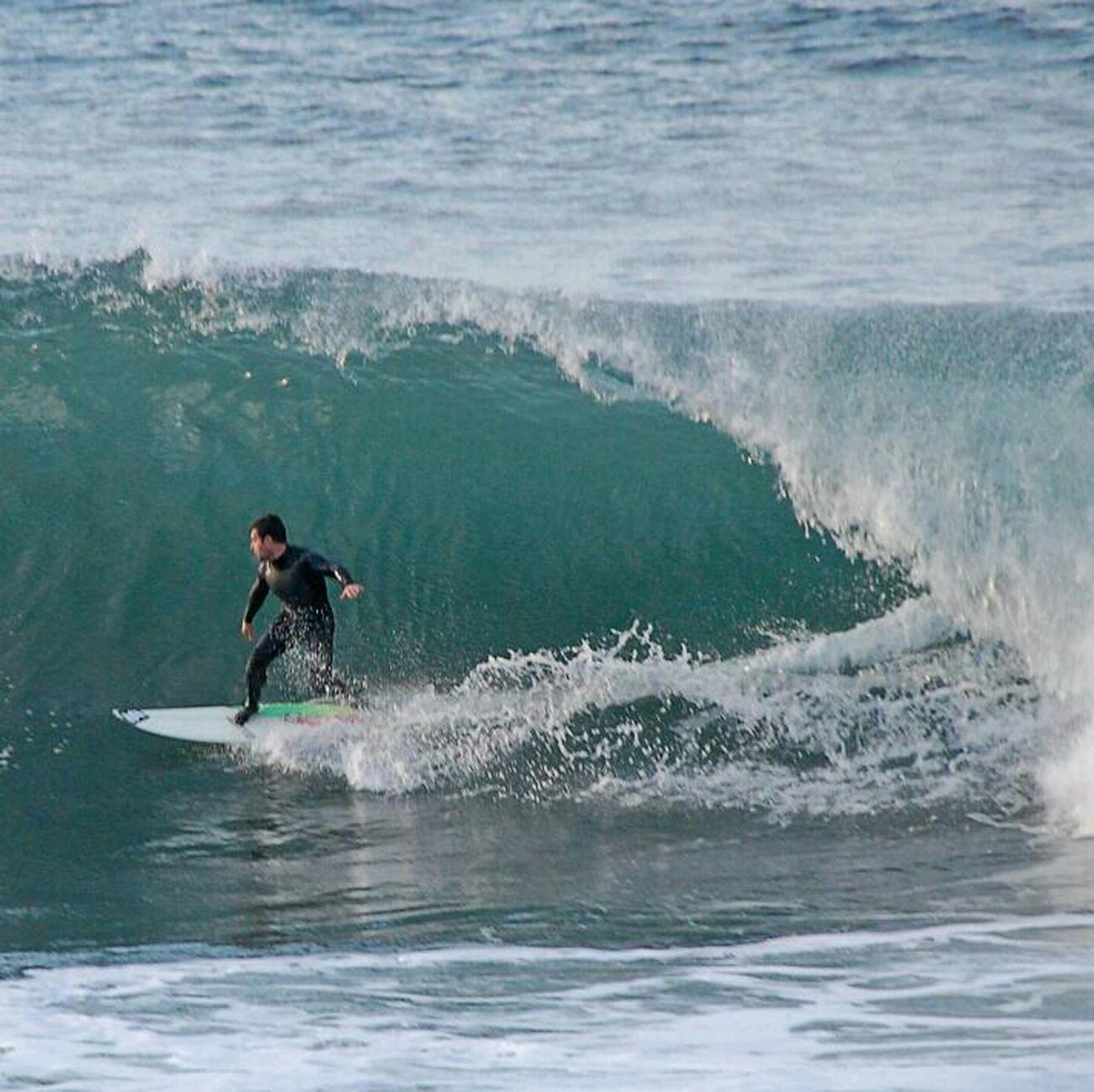 Grandes olas en Gijón Surfing Waves Playas Y Olas Cantábrico Surf