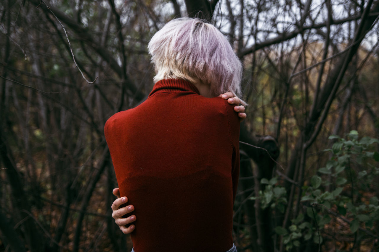 Rear view one person Adults Only Tree only women people one woman only Adult women leisure activity real people outdoors day lifestyles Nature human back warm clothing