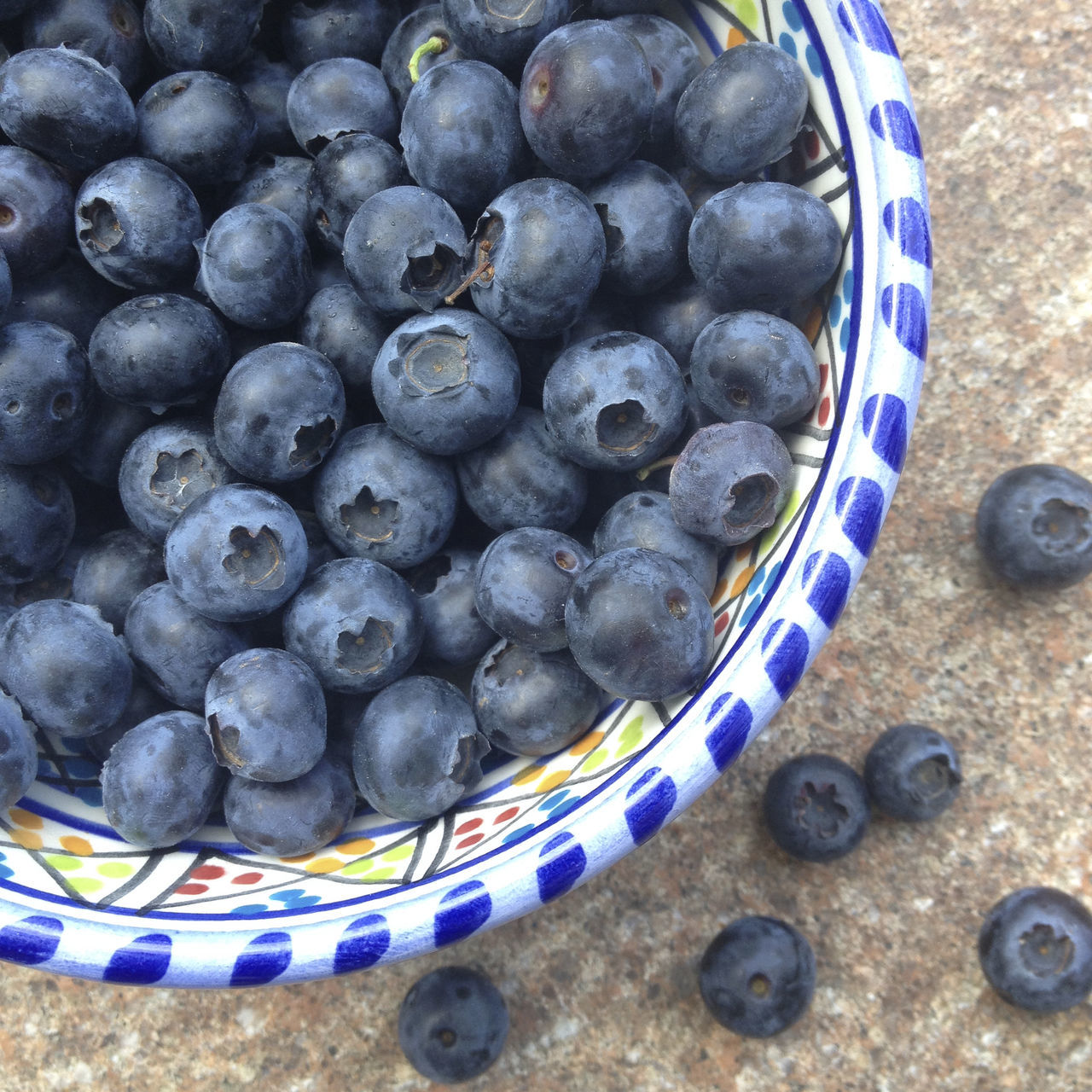 healthy eating, food and drink, still life, fruit, food, no people, large group of objects, blueberry, bowl, freshness, close-up, day, outdoors