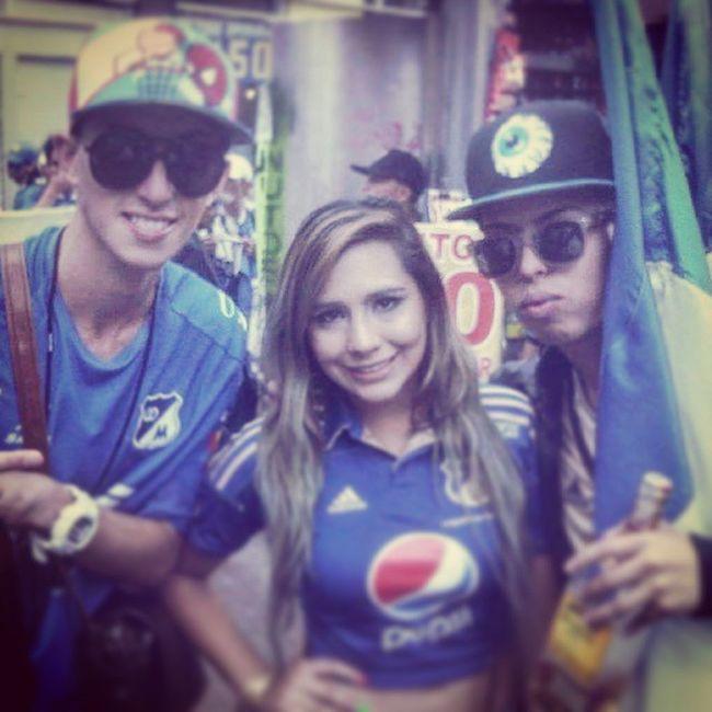 Hace 2 años celebrando los 67 años TBT  @millosfcoficial Throwbackthursday  @babygmusica @javier_elnene Millossomostodos Somosembajadores Millos Azules Embajador Bogotá Year Cumpleañosdemillos Feelingblue Futbol