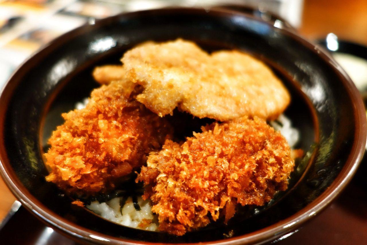 牡蠣フライかつ丼
