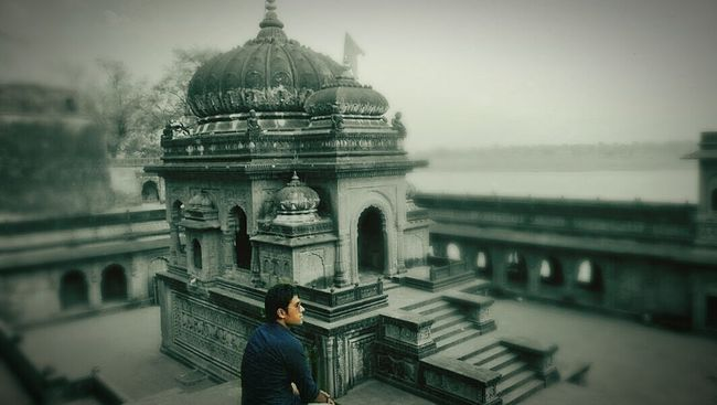 Feeling lost at beautiful fort of Maheshwar A Road Less Travelled! MaheshwarMadhya Pradesh India