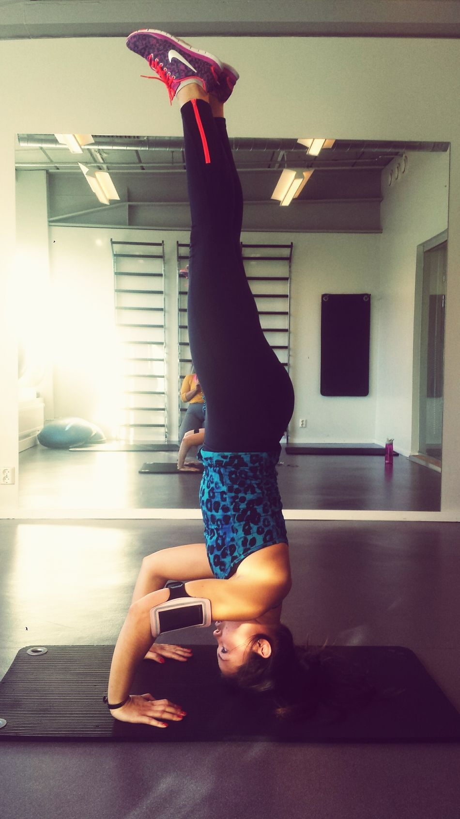Headstand Relaxing That's Me Enjoying Life Norway Oslo Sio