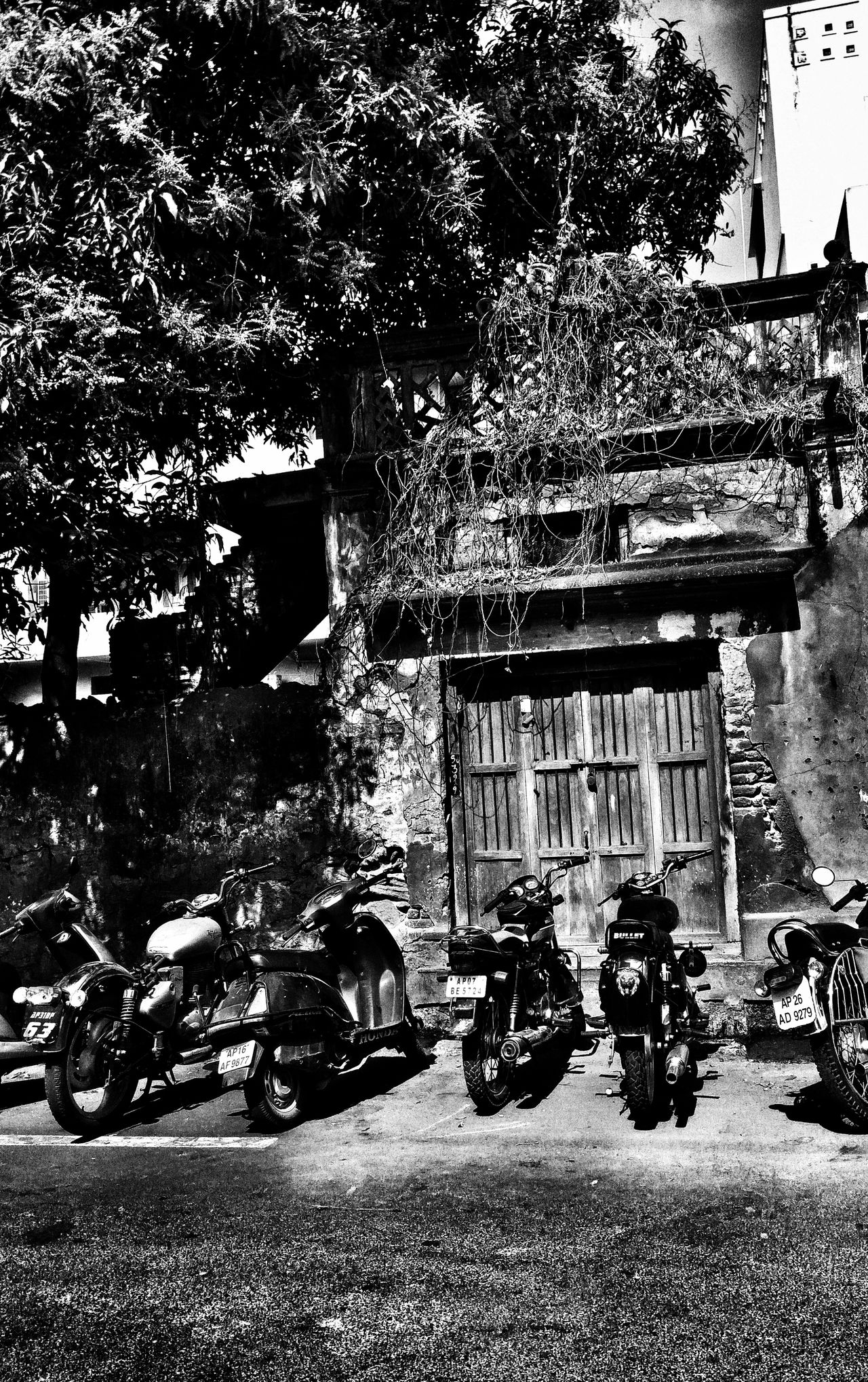 On the roads Day VijayawadaCourtroad Old Buildings Love To Capture The Architect - 2017 EyeEm Awards