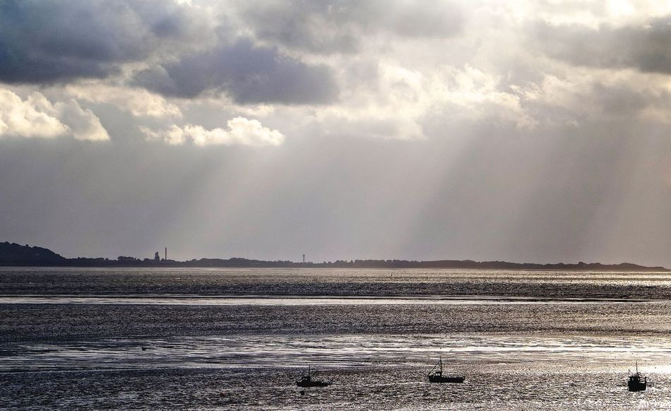 Beauty In Nature England🇬🇧 Nature Scenics Sea And Sky Ships Sunbeams Water Wirralcountrypark