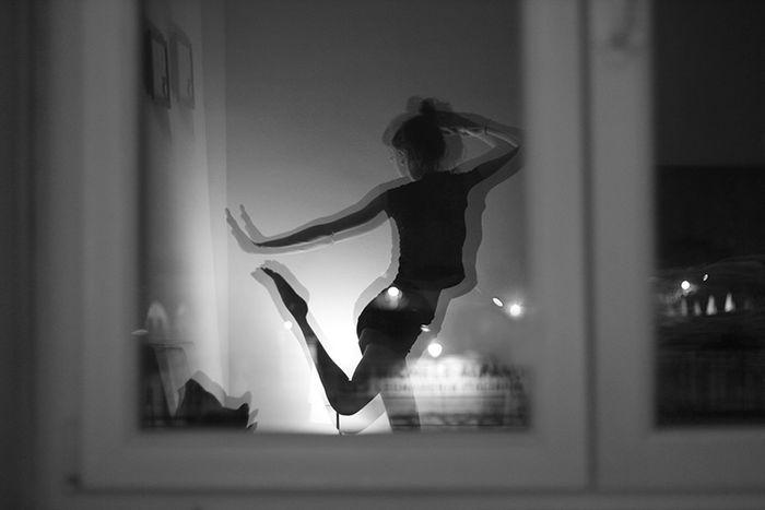 Nofilter Girl Dance Dancing Ballett Sararoot Reflection Window Black & White Blackandwhite Photography Ballerina Monochrome Photography The City Light