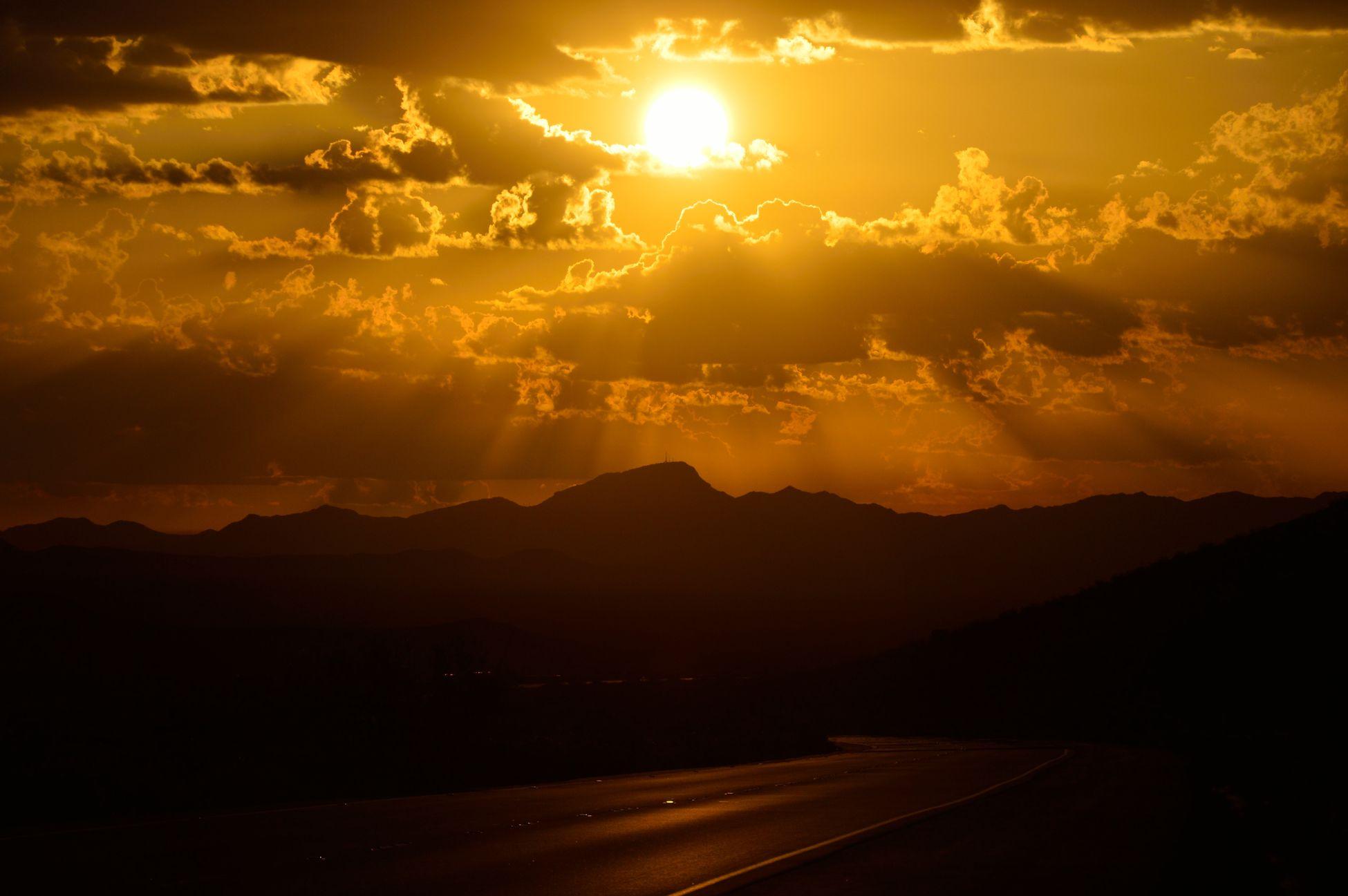 Cali Sunrise Sun ☀ Sun Flare Joshua Tree
