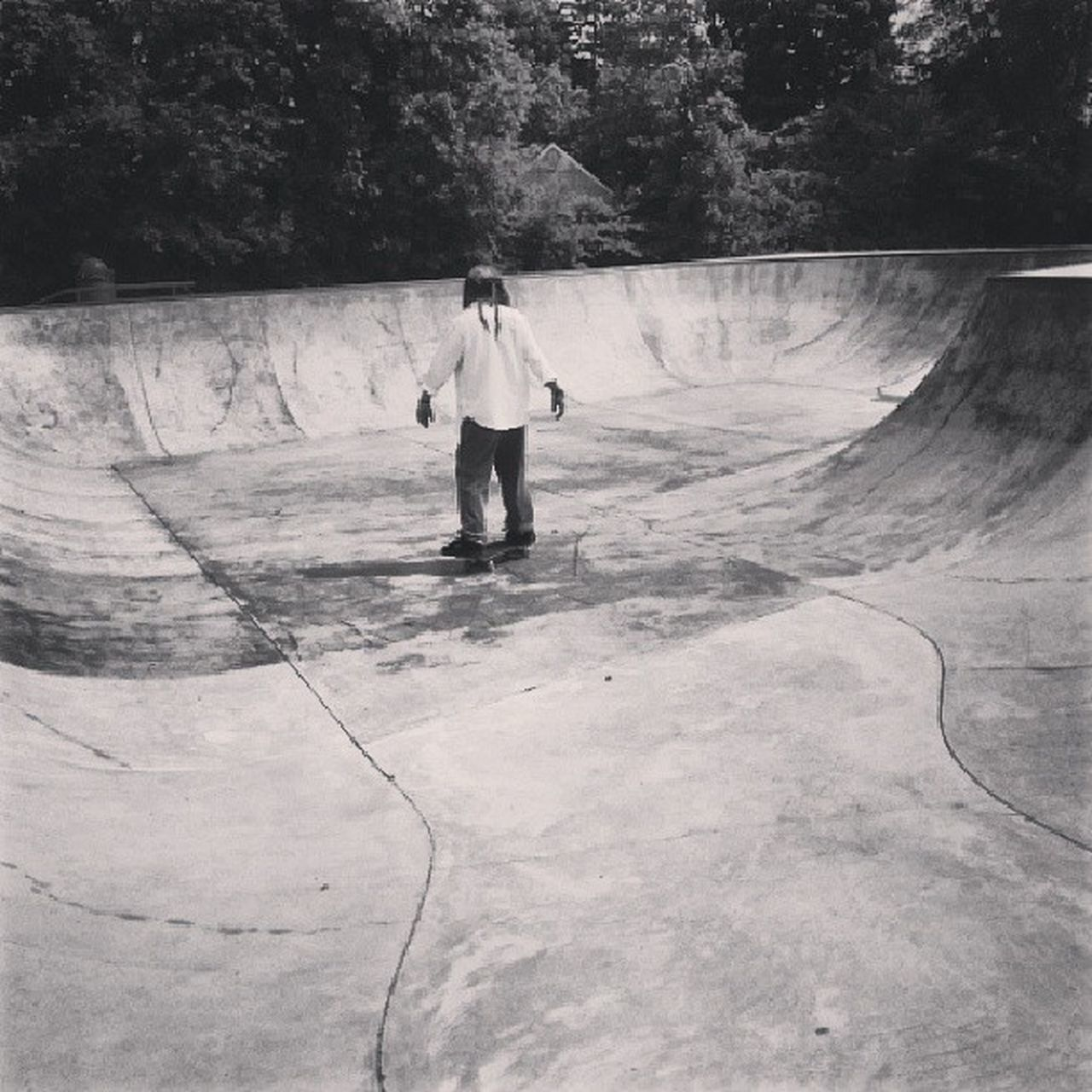 full length, leisure activity, one person, real people, tree, childhood, outdoors, skateboard park, day, skill, standing, playing, boys, nature, sport, people, adult