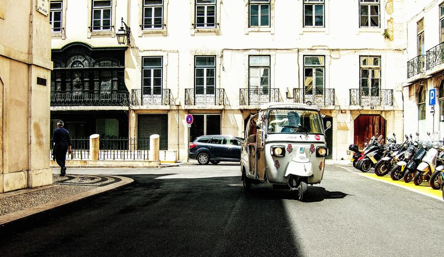 The Street Photographer -2016 EyeEm Awards Shiny Happy People On The Way Walking Around Taking Pictures Lisbon The Great Outdoors - 2016 EyeEm Awards Watching People On The Road Melancholic Cityscapes Tuktukdriver From My Point Of View Streetphotography