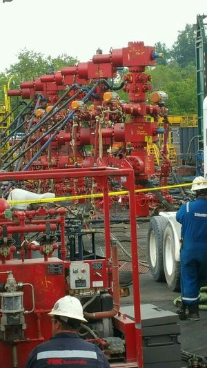 Ohio Fracking Compressed Natural Gas Well Head Sand Kings Titans Of Industry