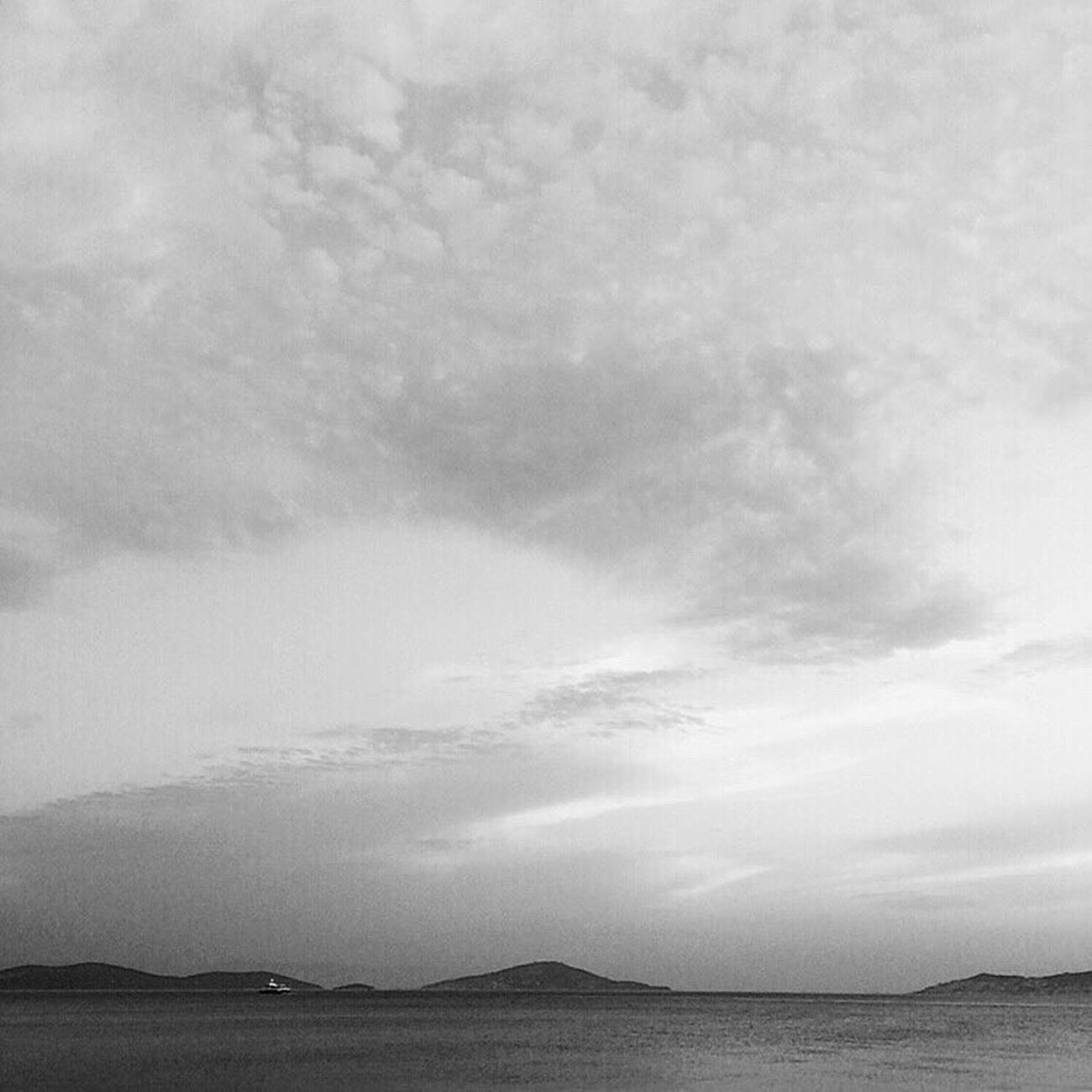 🌊🚢 Sky Landscape No People Cloud - Sky Nature Tranquil Scene Day Tranquility Outdoors Scenics Beauty In Nature Storm Cloud Gothic OpenEdit Artphoto Popular Photos Check This Out Aesthetics Today's Hot Look Monochrome Photography ArtWork Taking Photos Beauty In Nature Artphotography