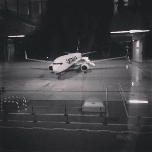 Ghost-selfie with the plane Addictedtoflying LatAm Planeflight Ryanair