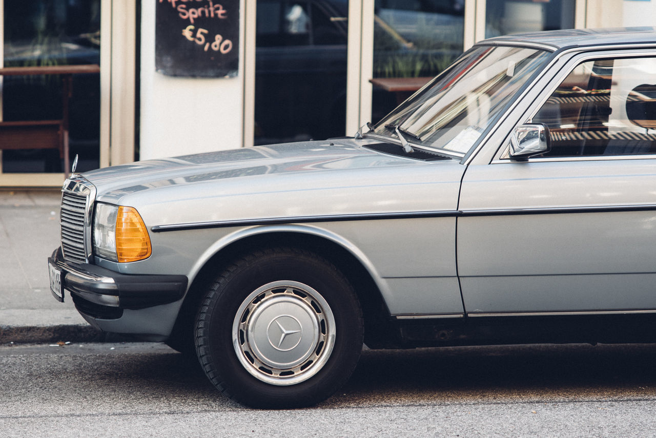Mercedes Benz. 135mm Ai-S on D750 Car Close-up D7000 Hamburg Kodak Portra Mercedes Silver  Streetphotography Youngtimer