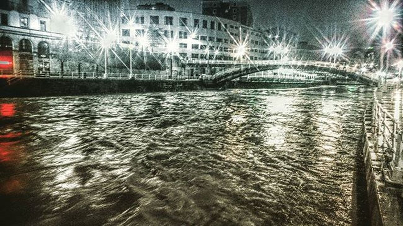 Ria de Bilbao en pleno temporal, 27-02-2016 Total_hdr Total_night Total_water Total_splash Colorsplash_bu Côtebasque Best_expression_splash Bnwsplash_paisvasco Bnwsplash_spain Bilbaolovers Verybilbao Euskadigrafias Euskogram Euskorincones Loves_euskadi Total_euskadi Total_bridges Turismo_euskadi Landscape Instantes_fotograficos Webstagram Estaes_paisvasco Visiteuskadi Tagsforlikes Photooftheday picoftheday instagood real_globo total_water