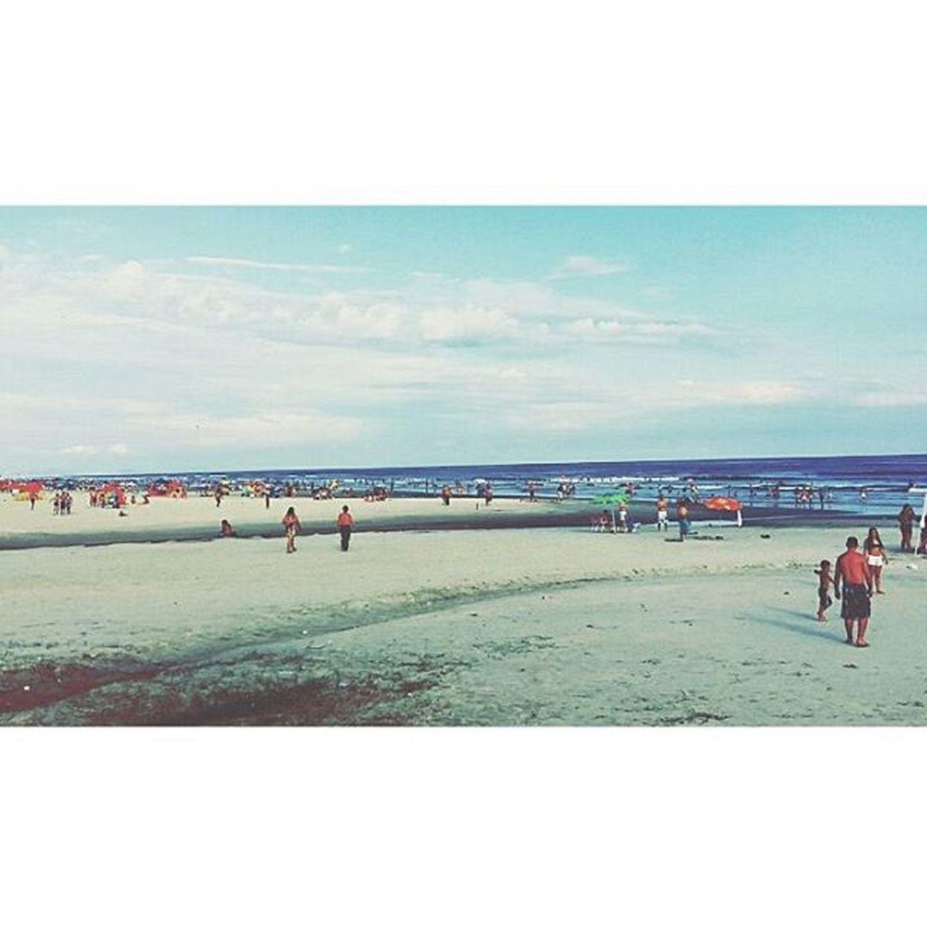 E tão bom sentir a brisa do mar. 🍃 Vscambrasil VSCAM Photo Beach Litoralsul Fotografia Fimdeano Photograpy Amô Paisagem Mongaguá Cidade Litoral Camera360 Photogrid