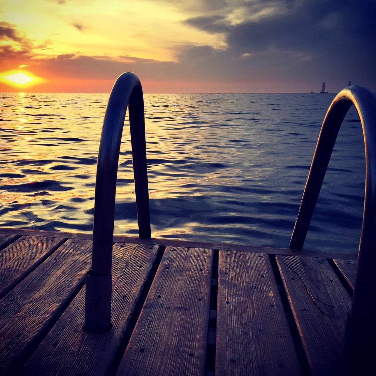 Water Sea Tranquility Outdoors Sunset San Antonio Ibiza Steps Into Water Boat Dock Wooden Planks Boardwalk