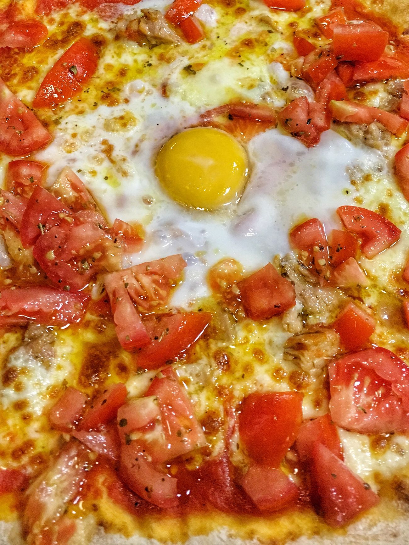 Day 6   hambre Food Pizza Close-up No People Food And Drink ¡proyecto! IPhoneographer Art IPhone Tomato Comidas Huevo Kitchen Origan Restaurant Full Frame Yellow Fried Egg Freshness Indoors  Sunny Side Up Ready-to-eat Day