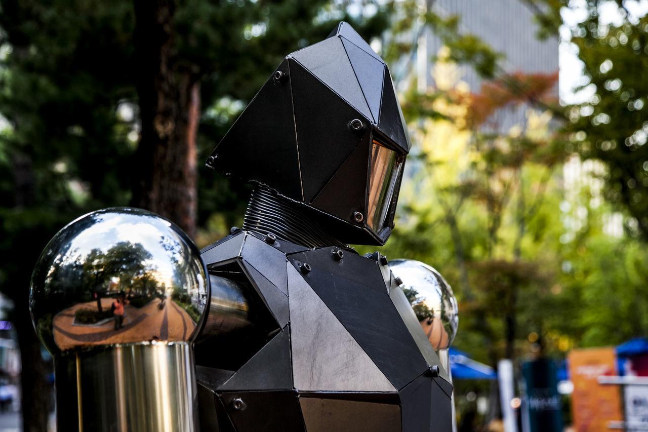 Seong Culture House Robot Seoul Korea Reflection