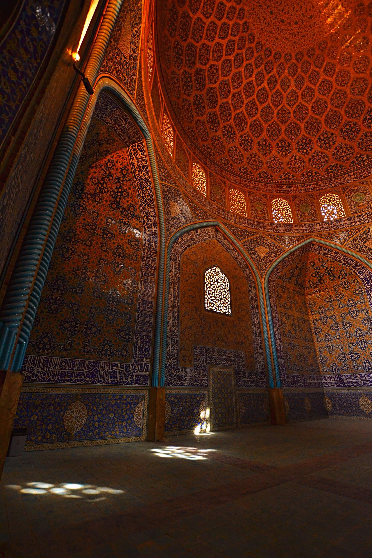 Breathtaking .... Esfahan is the one of the most beautiful city in the world. | The mosque of Eram| Esfahan EyeEm Best Shots Travel Photography Persia The Traveler - 2015 EyeEm Awards Masjed  EyeEm Gallery Breathtaking Architecture Amazing Architecture