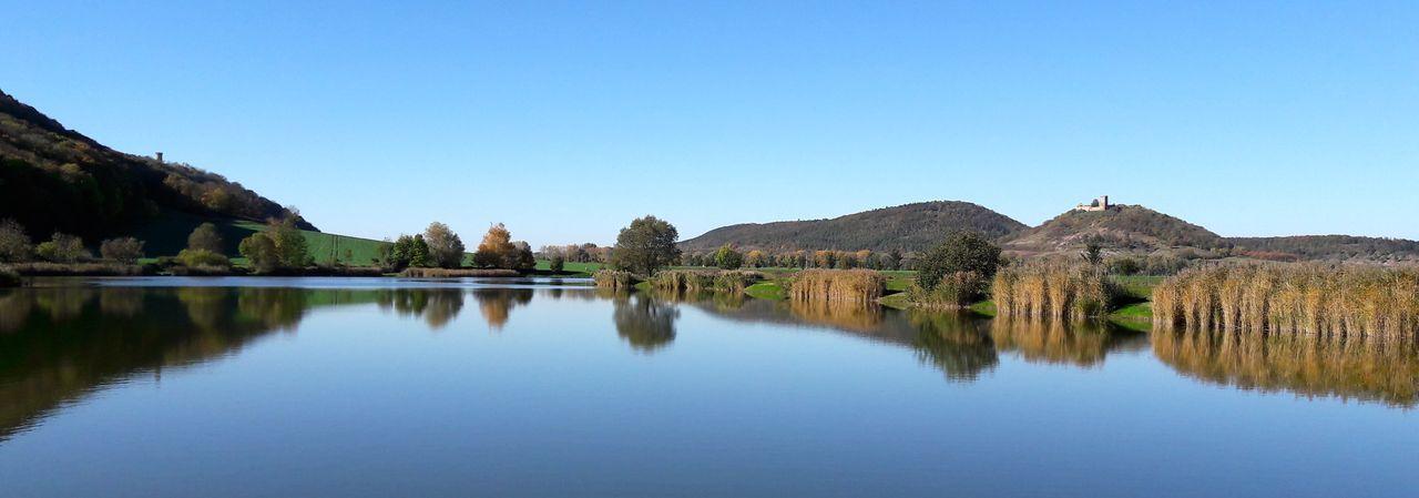 Drei Gleichen Landschaft Spiegelung Beauty In Nature Blue Clear Sky Lake Mountain Mountain Range Mühlburg Nature Outdoors Reflection Reflektion Scenics Thüringen Erleben Thüringenentdecken Tranquil Scene Water