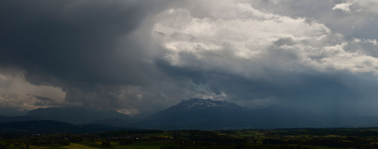 waiting for the thunderstorm Beauty In Nature Check This Out Cloud - Sky Clouds Clouds And Sky Cloudscape Dramatic Sky Landscape Mountain Nature No People Outdoors Scenics Sky Taking Photos Taking Pictures Weather Weather Photography EyeEm Nature Lover