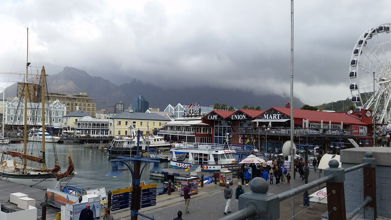 I Love Cape Town Table Mountain with the table cloth cover V & A Waterfront