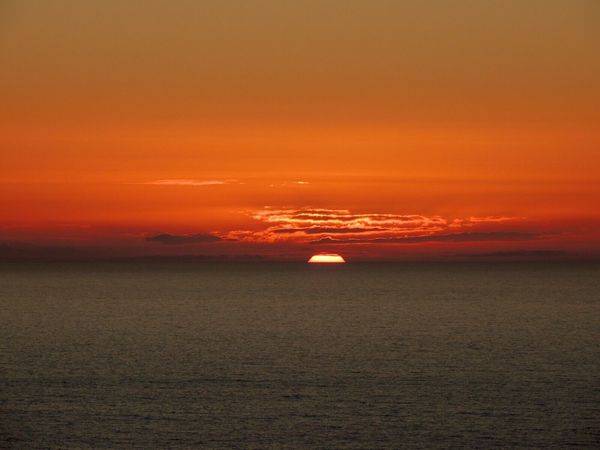 When The Sun Goes Down..♥ Sundown...♥ The Best Hour Of The Day Enjoying The Sunset Beautiful Sunset♥♥Good Evening EyeEm Sunset And Clouds  Sunset And Sea Sunset_captures Orange Sky Orange Sunset From My Lens The Purist (no Edit, No Filter) Reñaca Beach , Chile