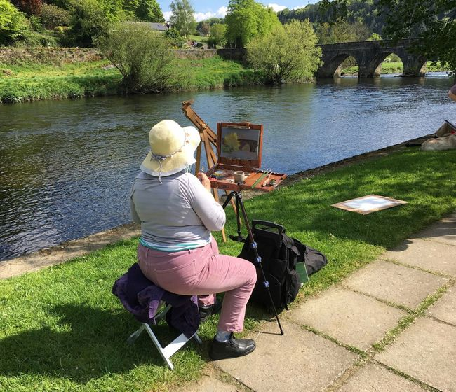 Inistioge Ireland Artist Painting In Progress Lifestyles Leisure Activity By The River By The Water Outdoorlife Bridge Old Bridge Painting Painter