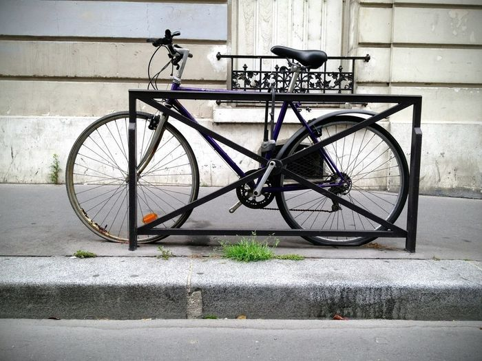 Bike Week Naughts & Crosses - Oxo Paris Capture The Ride With Uber