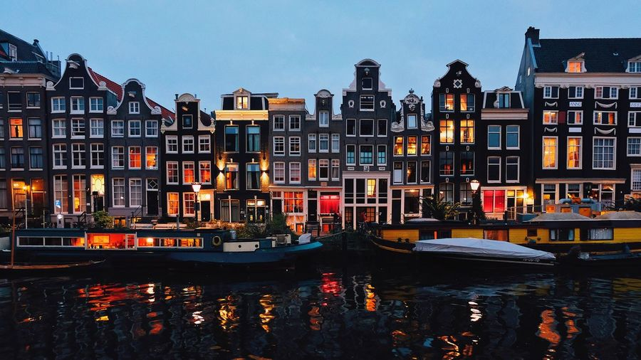 Illuminated canals! Architecture Outdoors City Cityscape Amsterdam Canals Sunday Illuminated Nofilternoglory EyeEmNewHere