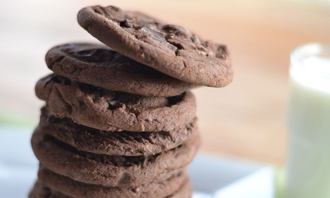 Stack of cookies balancing one on top of the other. Balance Balancing Balancing Act Close-up Cookies Cookies And Milk COOKIES! Creativity Detail Double Chocolate Chip Cookies Focus On Foreground In A Row No People Outdoors Selective Focus Snack Snack Time! Stack Still Life Sunlight Treat
