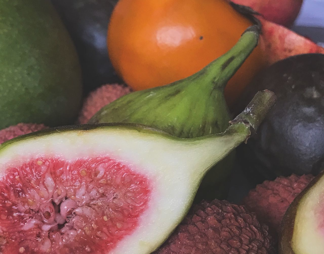 Food Food And Drink Freshness Healthy Eating Close-up Vegetable No People Fruit Green Color Indoors  Day Fig Figs Seeds Ready-to-eat Close Up Exotic Fruits Exotic Fruit Closeup Still Life Fruits Indoors  Halved Juicy Freshness