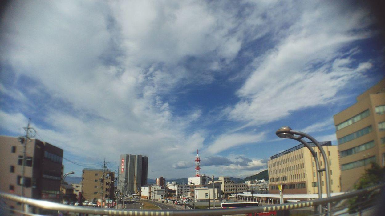 いま空。出勤時間、通勤ルートが変って4日目の朝。 Nagano, Japan Skyporn Sky And Clouds Sky Collection Nagano-sta. East gate 。 Goodmorning ☀