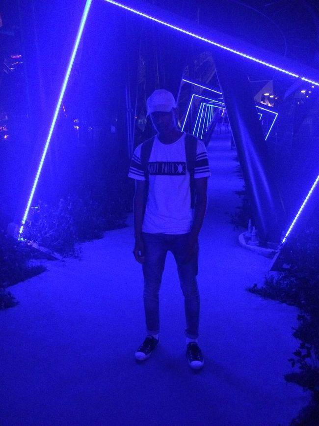 Check This Out That's Me Street Fashion The Fashionist - 2016 EyeEm Awards Fashionist Fashion Forever Fashionista Fashion Photography Night Lights Fashion Daily Paper Walibi Holland Walibi