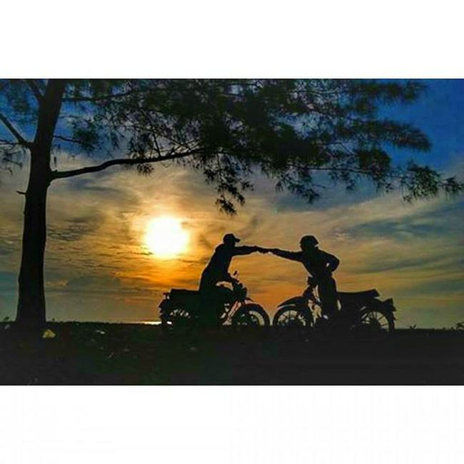 Bersama tak harus sama🍺 Silhouette Cb125 CBindonesia Cbindependent Hcbc C70  70ulung Thailook