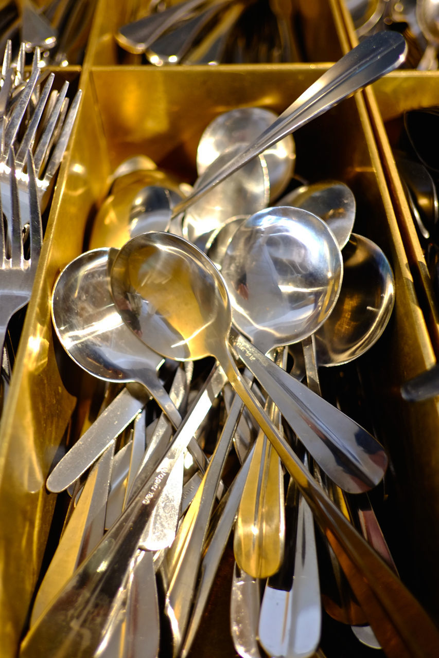 metal, fork, gold colored, music, no people, shiny, musical instrument, close-up, indoors, wind instrument, day