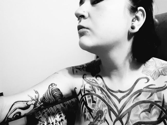 Hanging Out Check This Out Relaxing Taking Photos Grey Hello World Tattoos Woman Blackandwhite Photography